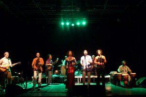 Alexandrina Simeon - Drum & Voice Tour 2009 mit Njamy Sitson (Foto: Privat)